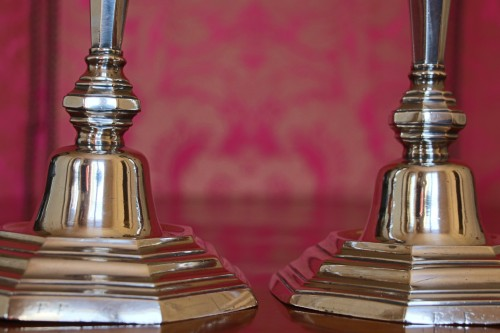18th century - Candlesticks in solid silver, hallmark letter H crowned, signed: F.F, 18th century