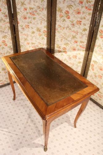 Writing table Louis XV stamped Pierre BONNEMAIN -