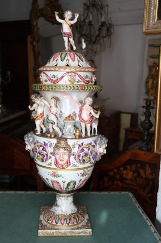 Perfume burner in porcelain of Capodimonte - Porcelain & Faience Style Restauration - Charles X
