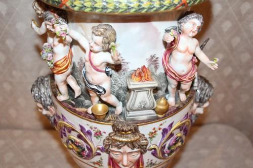 Perfume burner in porcelain of Capodimonte -