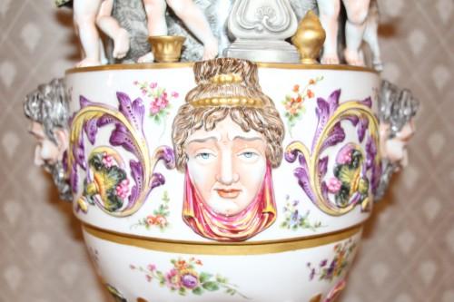 19th century - Perfume burner in porcelain of Capodimonte