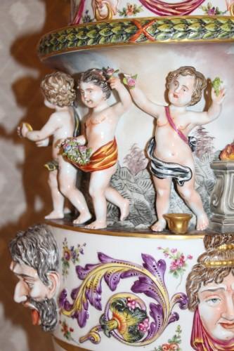 Perfume burner in porcelain of Capodimonte - Restauration - Charles X