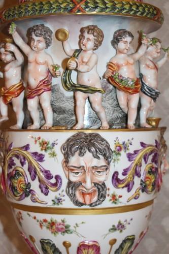 Antiquités - Perfume burner in porcelain of Capodimonte