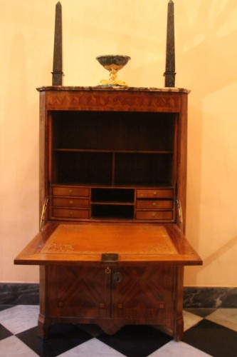 Furniture  - Louis XVI period secretary in wood veneer