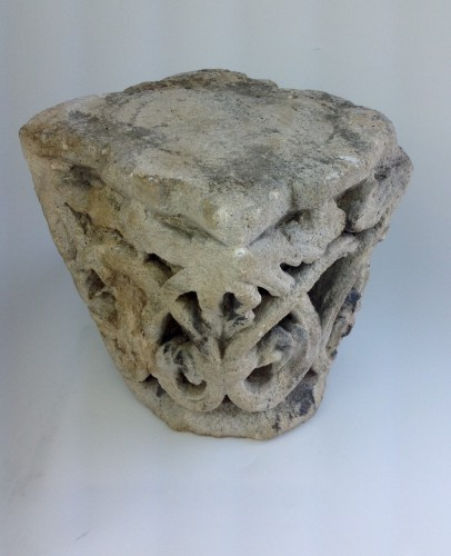 Twelfth century capital - Sculpture Style Middle age