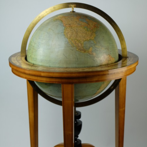 19th Century globe of Ernst Schotte (Berlin) in the German language - Collectibles Style
