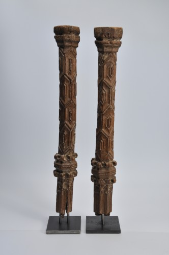 Two wooden pillars - 14th Century - France - Architectural & Garden Style Middle age