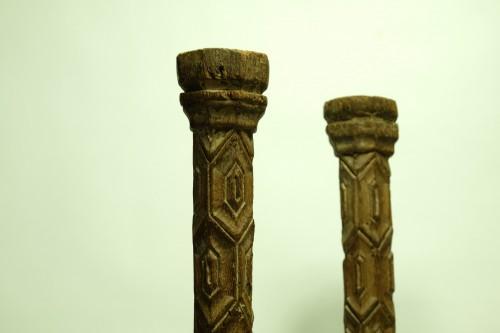 <= 16th century - Two wooden pillars - 14th Century - France