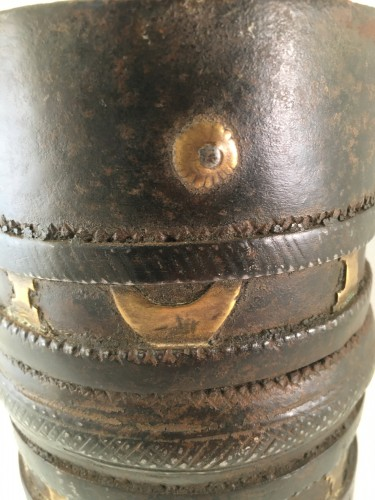 A 16th century French measuring cup in metal - Curiosities Style Middle age