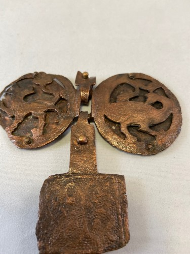 Antiquités - A fragment  of a 12th / 13th century copper necklace - Limoges (?) - France