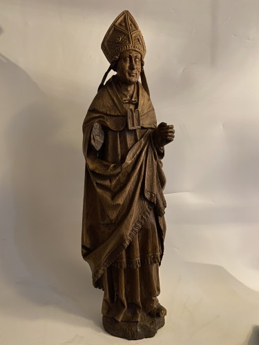 <= 16th century - A very detailed sculptured bishop in oak - Flemish or French - 16th century