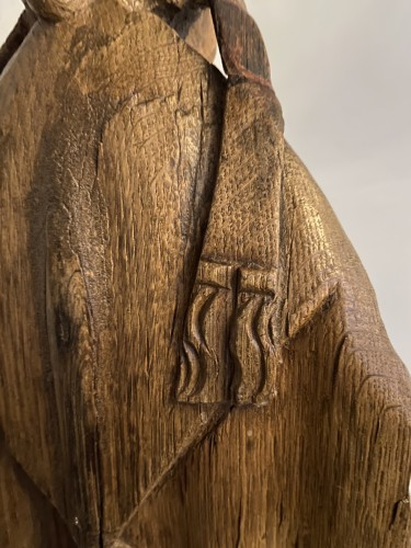 A very detailed sculptured bishop in oak - Flemish or French - 16th century - Middle age