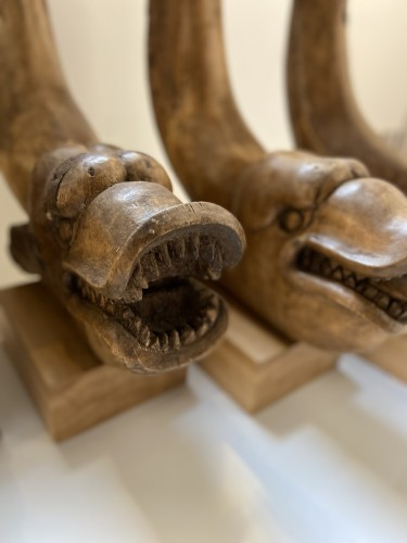 Antiquités - Four fragments in wood (table legs) with fish heads. Italy - around 1800