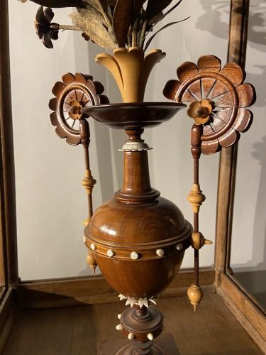 Antiquités - A vase with flowering plant - ca. 1900 - wood carving - Leuven