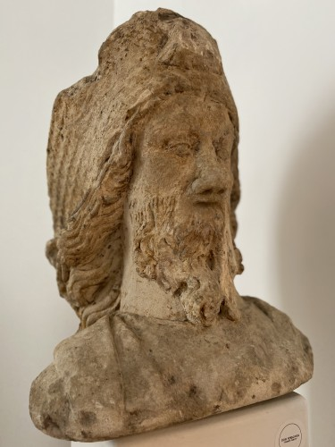 Sculpture  - A sandstone bust of Saint Jacques, dated 1654, France