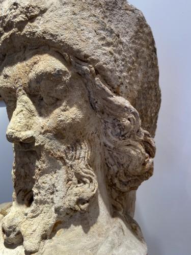 Antiquités - A sandstone bust of Saint Jacques, dated 1654, France