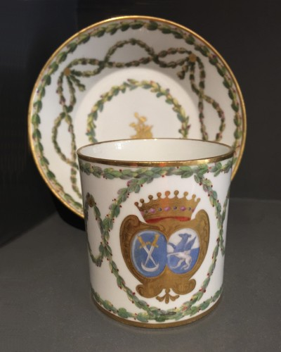 Louis XVI - Sèvres hard-paste cup and its saucer, with armorial decoration, 1776