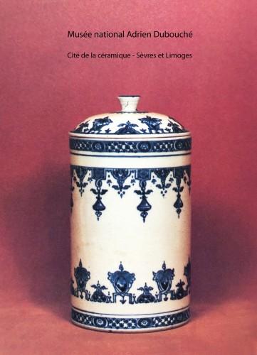 Large Saint-Cloud soft-paste tobacco jar and cover, circa 1700-1710 -
