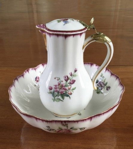 Very rare Vincennes soft-paste porcelain ewer and basin, circa 1749-1750 - Porcelain & Faience Style Louis XV