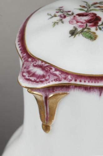 Louis XV - Very rare Vincennes soft-paste porcelain ewer and basin, circa 1749-1750