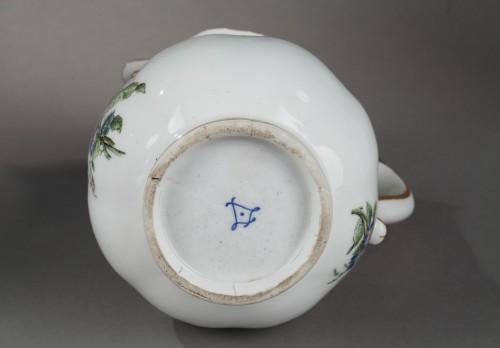 Antiquités - Very rare Vincennes soft-paste porcelain ewer and basin, circa 1749-1750