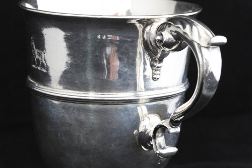 Antique Silver  - A traditional antique Irish sterling silver loving cup or two handled goble