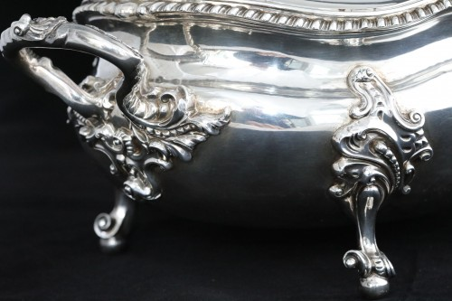 19th century - An Antique Early Victorian Sterling Silver soup tureen in a Regency style