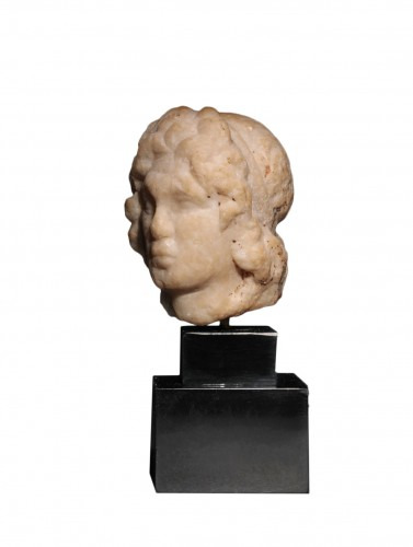 Hellenistic marble head of a statuette