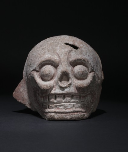 Mayan art, fragment of a burial urn figuring a skull -