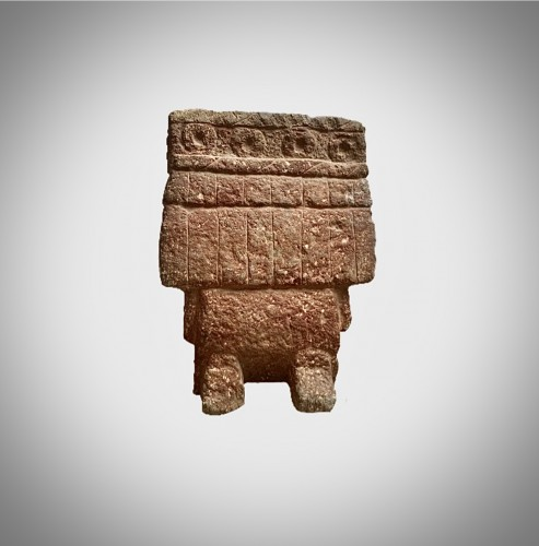 Ancient Art  - Aztec stone figure of the deity chicomecoatl
