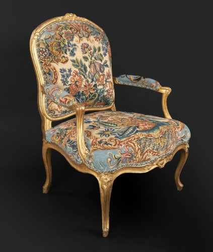 Upholstery and gilded wood Louis XV armchairs pair - Seating Style Louis XV
