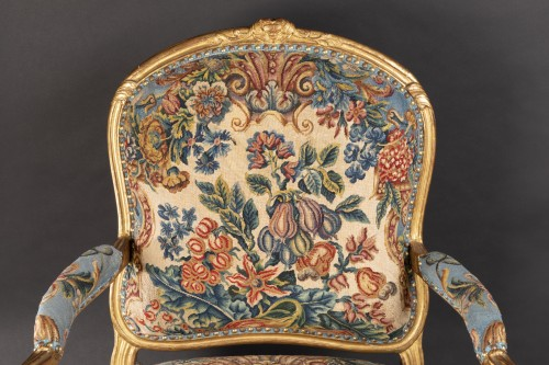 18th century - Upholstery and gilded wood Louis XV armchairs pair