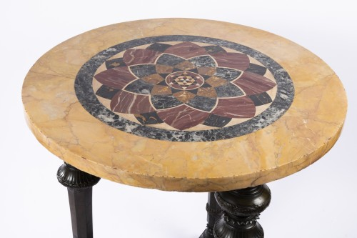 Etruscan gueridon table first half 19th century - Furniture Style Restauration - Charles X