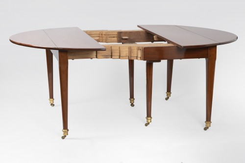 Big six feet mahogany table Louis XVI period  18th -