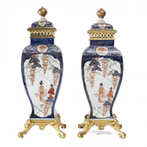 Japan porcelain vases pair 18th