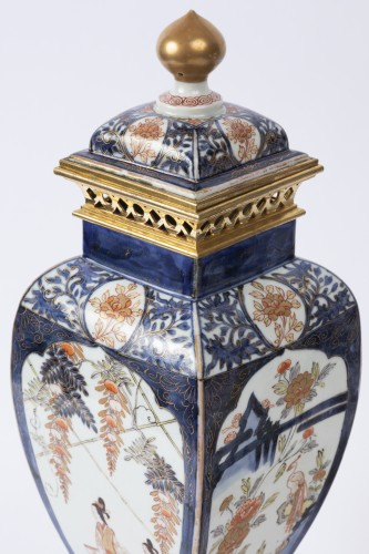 Japan porcelain vases pair 18th -