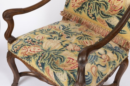 Tapestry walnut armchairs pair Régence period 18th - Seating Style French Regence