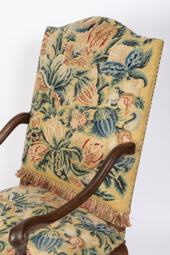Seating  - Tapestry walnut armchairs pair Régence period 18th