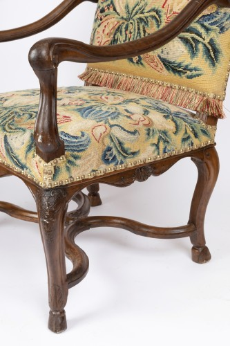 Tapestry walnut armchairs pair Régence period 18th -