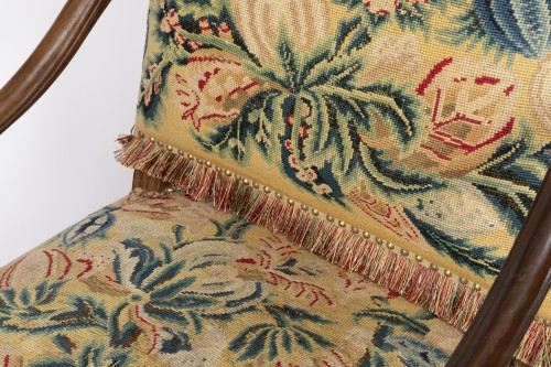 18th century - Tapestry walnut armchairs pair Régence period 18th