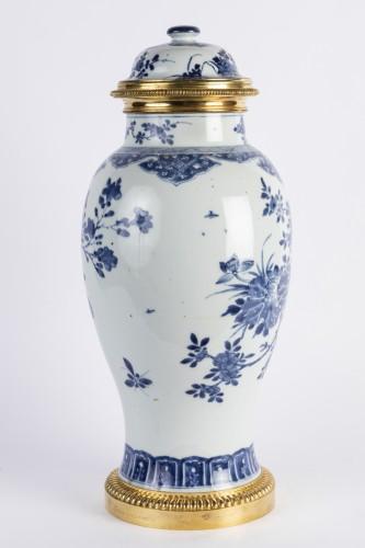 Big covered China porcelain vase Kang xi period - Louis XIV