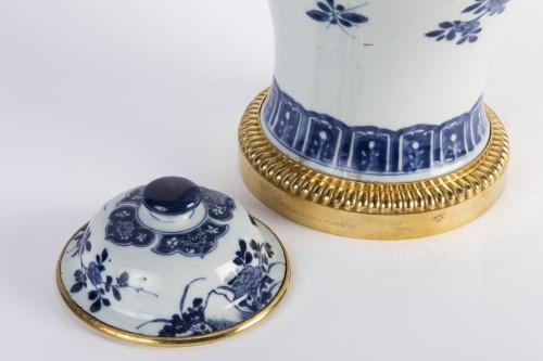Louis XIV - Big covered China porcelain vase Kang xi period
