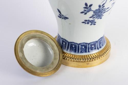 Antiquités - Big covered China porcelain vase Kang xi period