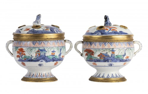 Japanese porcelain covered jar pair circa 1700