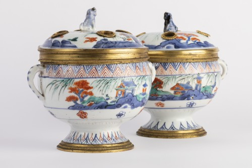 Decorative Objects  - China porcelain covered jar pair 18th