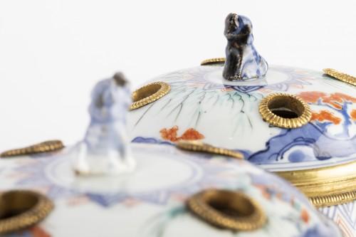 18th century - Japanese porcelain covered jar pair circa 1700