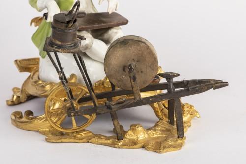 Porcelain & Faience  - Meissen porcelain grinder Louis XV period mid 18th
