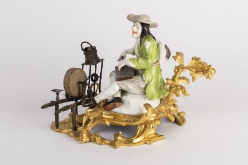 Louis XV - Meissen porcelain grinder Louis XV period mid 18th