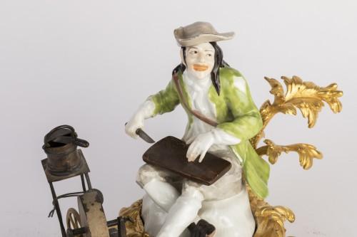 Antiquités - Meissen porcelain grinder Louis XV period mid 18th