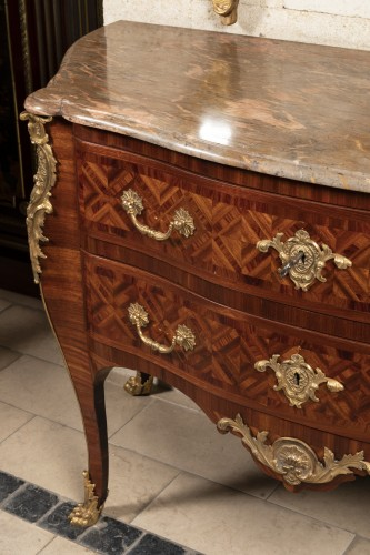 Régence period chest 18th by CRESSENT - Furniture Style French Regence